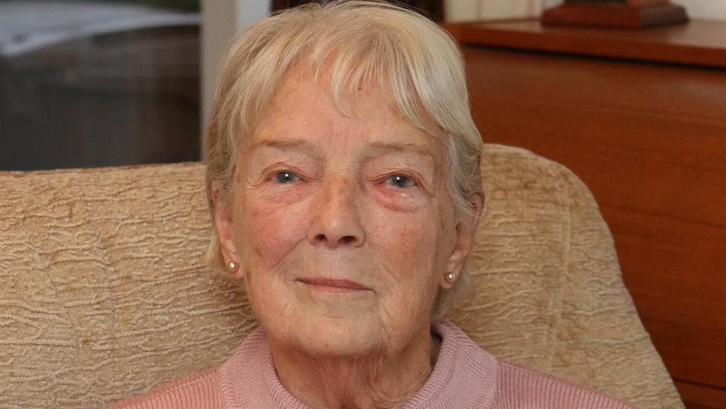 Kisah Wanita 90 Tahun Diajak Liburan Mewah Pria yang Baru Kenal 40 Menit