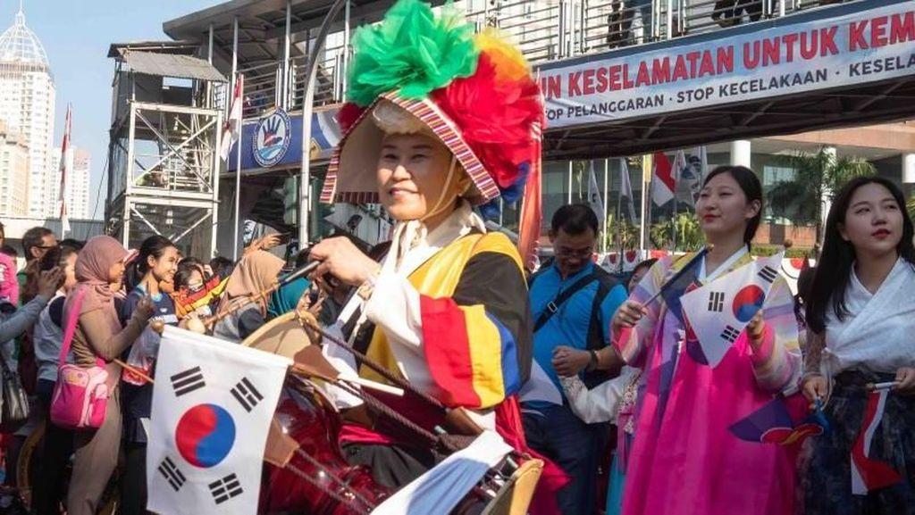 Menikmati Keberagaman Budaya di Car Free Day Jakarta