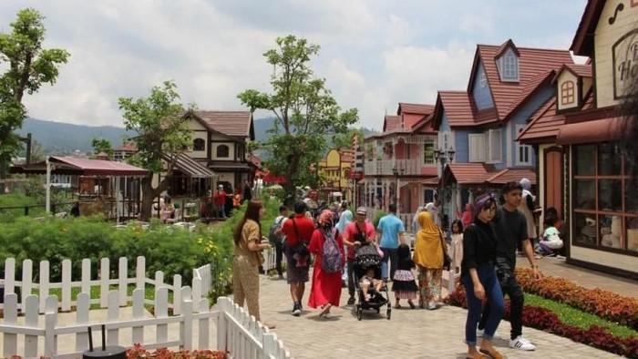 objek wisata di floating market