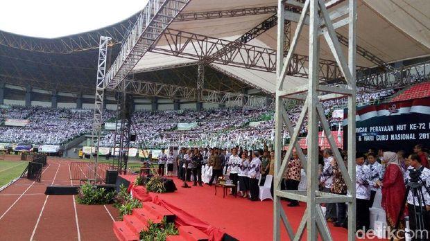Presiden Jokowi di HUT ke-72 PGRI di Bekasi, Sabtu (2/12/2017)