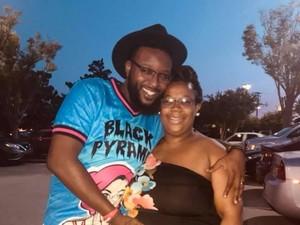 Ayah dengan PTSD ini Bantu Lahirkan Anak Pertamanya di Trotoar