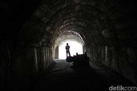 Lubang ini memanjang ke dalam hingga ribuan meter (Randy/detikTravel)