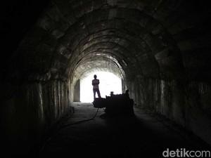 Foto: Masuk ke Perut Bumi di Sawahlunto