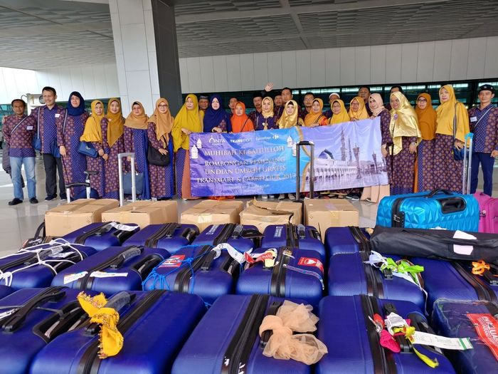 Foto: Pemenang Umrah Gratis Transmart Carrefour (Dok. Transmart Carrefour)