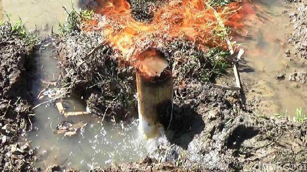 Semburan gas muncul di bekas pengeborang sumur di Purworejo