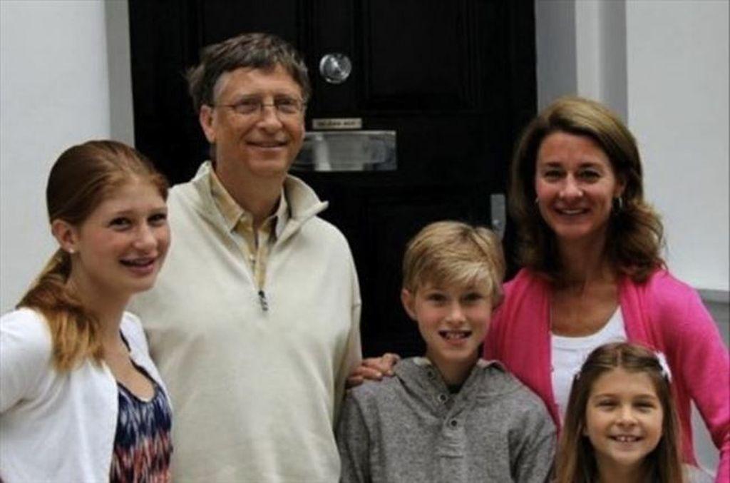 Menikah tahun 1994, Bill Gates dan Melinda dikaruniai 3 orang anak. Putri sulung adalah Jennifer yang kini berusia 22 tahun, Rory, 19 tahun dan si bungsu Phoebe, 16 tahun. Foto: Instagram