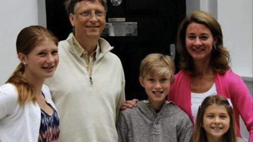 Saat Sibuk-sibuknya, Bill Gates Masih Mau Antar Anak Sekolah