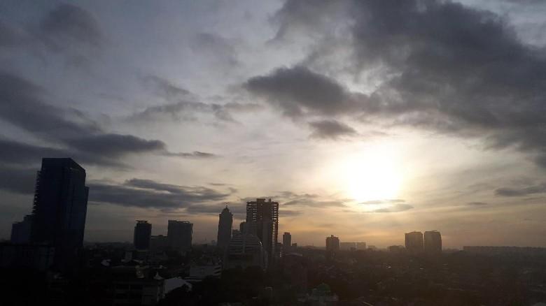 BMKG Prediksi DKI Jakarta hingga Papua Alami Cuaca Ekstrem Awal Mei