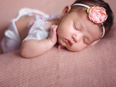 Ini Sera waktu berusia 2 minggu. Dari bayi Sera memang udah nggemesin ya, Bun. (Foto: Instagram/yaswildblood)