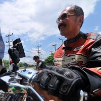 Tak Hanya Hobi Belanja, Pengacara Novanto Juga Gemar Naik Moge