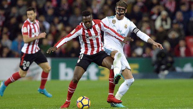 Inaki Williams menolak tawaran MU karena ingin pensiun di Athletic Bilbao. (
