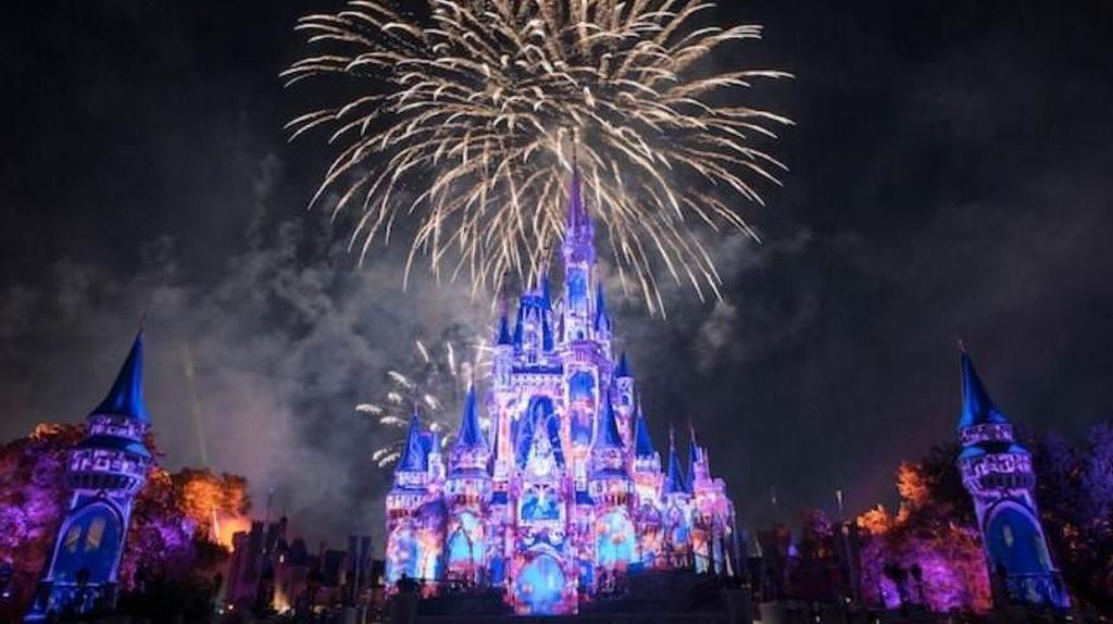 Disney Tawarkan Paket Belajar dari Taman Hiburan, Segini Biayanya