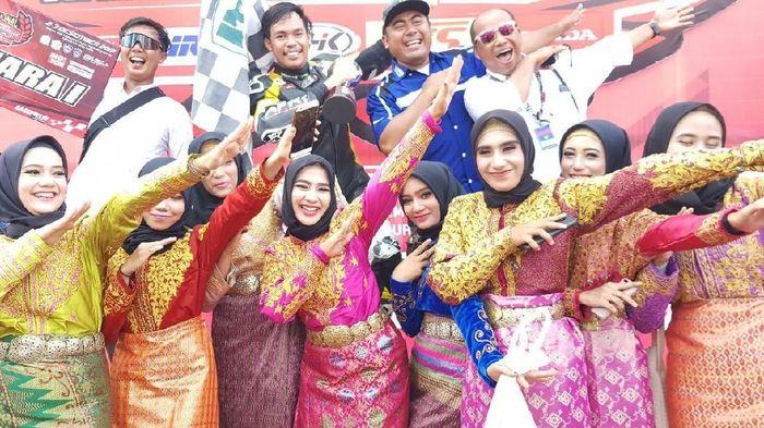 Reynaldi Pradana juara nasional MP1. Foto: dok.Yamaha Racing Indonesia