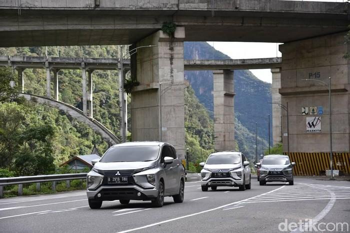 Mitsubishi Xpander ditest di Padang