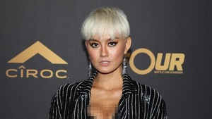 Kencan dengan Chris Brown, Agnez Mo Tarik Perhatian Media Asing