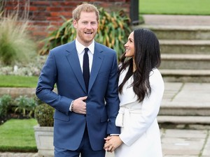 Meghan Markle akan Pakai Mahkota Putri Diana di Hari Pernikahan?