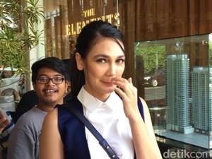 Luna Maya Ogah Bicarakan Soal Ucapannya Tentang Geng Ayu Ting Ting