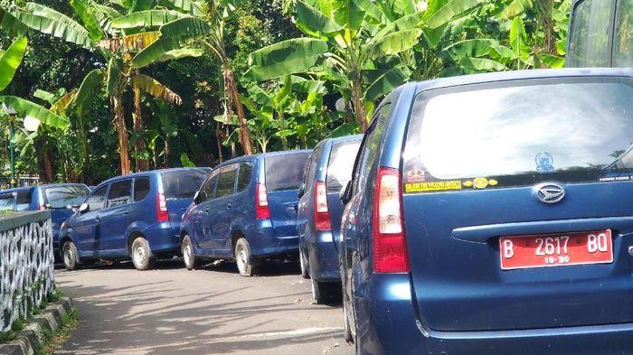 Foto: Ilustrasi Mobil Dinas di DPR. (Danu Damarjati/detikcom).