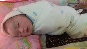 Bayi Ditemukan di Selokan, Polisi Tangkap Ibu dan Ayah Biologisnya