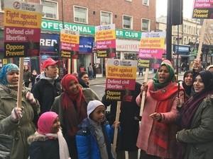 Heboh Video Wanita Suruh Lepas Jilbab di McDonalds, 50 Hijabers London Demo