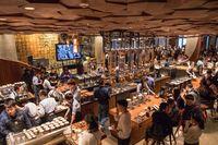 Wow, Kini Shanghai Punya Gerai Starbucks Terbesar di Dunia!