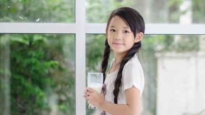Bunda, Simak Cara Pilih Susu yang Tepat Agar Anak Tak Mudah Sakit