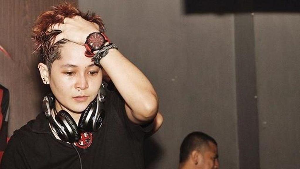 Mita The Virgin Murka Fotonya Jadi Ilustrasi DJ yang Ditangkap di Diskotek MG