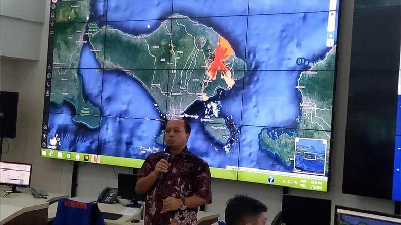 BNPB Minta Warga Antisipasi Banjir dan Longsor di Desember-Februari