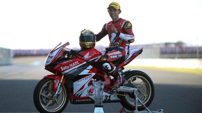 Gerry Salim, juara Asia Road Racing Championship kelas AP250 (Astra Honda Racing Team)