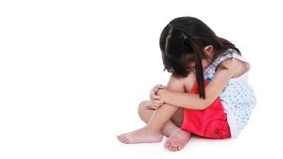 Dapat Angpau Lebih Sedikit dari Kakaknya Bikin si Adik Sedih