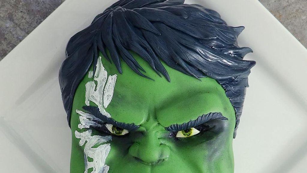Wouw! Ini 9 Kreasi Cake Bertema Hulk yang Unik