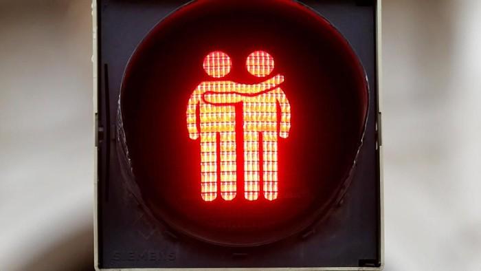 Lampu lalu-lintas bertema gay di Austria (Foto: Dok. REUTERS/Leonhard Foeger)
