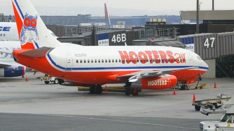 Hooters Airways (Matthew Peyton/Getty Images)