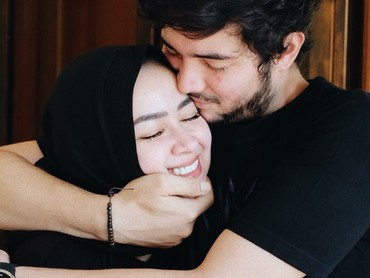 Romantis banget ya, Bun. (Foto: Instagram/aryanifitriana24)