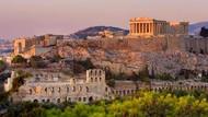 Yunani Buka Pintu Bertahap, Sementara Bebaskan Karantina Turis dari 7 Negara Ini