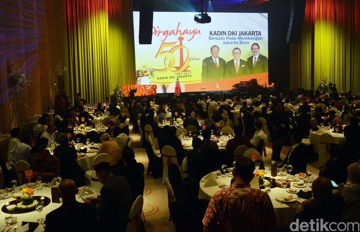Suasana acara Gala Dinner, Awarding Night dan Launching Buku Derap Langkah 50 Tahun KADIN DKI Jakarta, Selasa (5/12/2017).