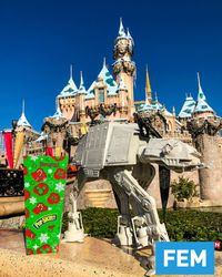 Inovatif! Disneyland Kejutkan Penggemar Star Wars dengan AT-AT Popcorn Bucket