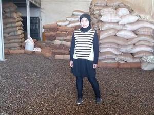 Kisah Retno Mardiningsih Mengirim Besi Beton Dibayar Cabai Kering