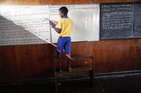 Nigeria Punya Sekolah Terapung dari Tong Sampah Plastik