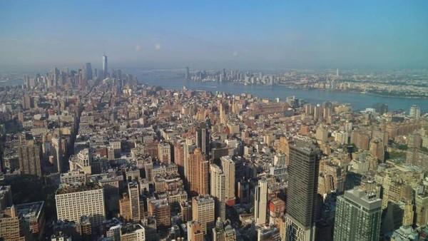 Pesona Manhattan di New York agaknya masih menjadi pilihan bagi banyak traveler. New York pun masuk dalam jajaran kota yang akan hits tahun depan (Andik Setiawan/dTraveler)
