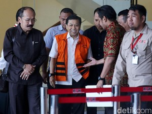 Adu Strategi KPK-Novanto di Sidang Perdana dan Praperadilan