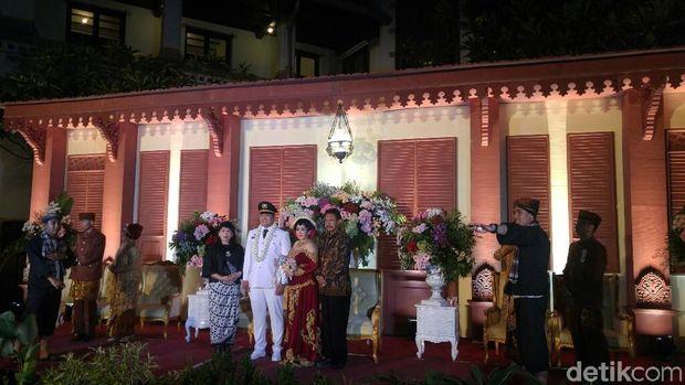 Suasana resepsi pernikahan di Lawang Sewu Semarang.