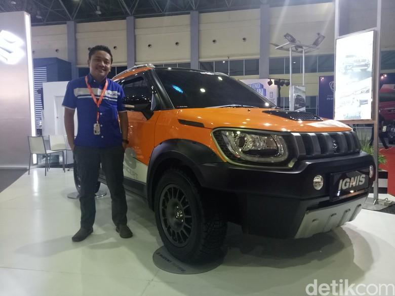 Suzuki Ignis lebih gagah dipamerkan di Makassar. Foto: Ibnu Munsir