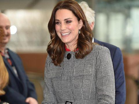Alasan Kate Middleton Tidak Pernah Pakai Lipstik Merah