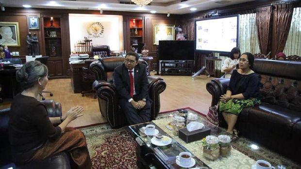 Wakil Ketua DPR RI Fadli Zon menerima kunjungan anggota parlemen Kamboja, Mu Sochua