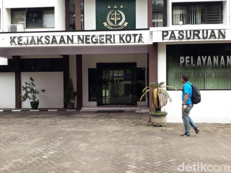 Diduga Korupsi Sewa Lahan, Mantan Pejabat Kota Pasuruan Ditahan