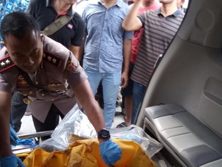 Kapolres Karawang AKBP Hendy Cek Temuan Mayat Gosong