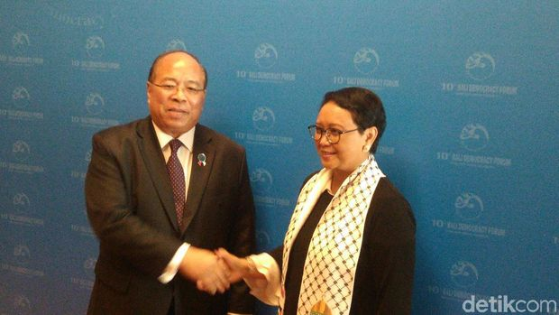 Penasihat Bidang Keamanan Myanmar Thaung Tun dengan Menteri Luar Negeri RI Retno LP Marsudi