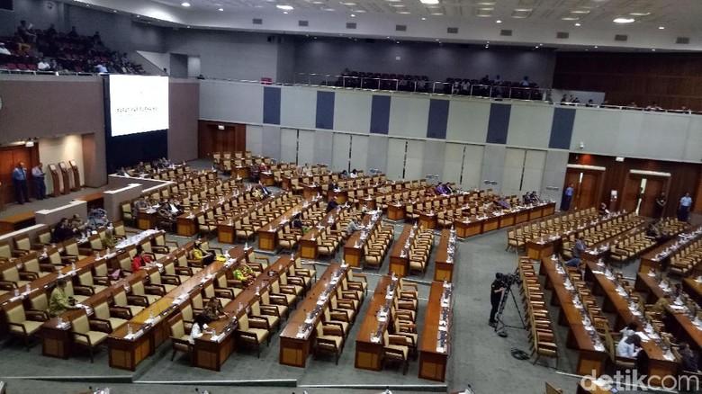 RUU MD3 Hidupkan Kembali Pasal Hak Imunitas Anggota Dewan via MKD