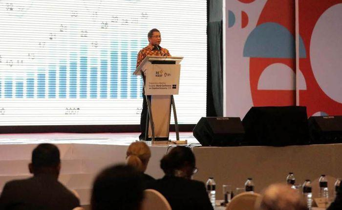 Menteri Komunikasi dan Informatika, Rudiantara hadir dalam pertemuan yang berlangsung di Bandung pada 4-7 Desember 2017. Pool/Bekraf.